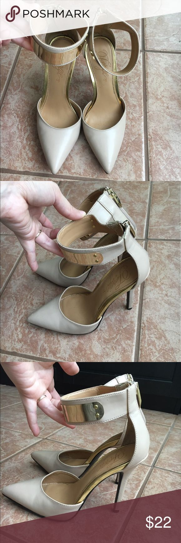 """Fergie Nude Heels Neutral Heels, Go Perfect with Any Outfit.                          4"""" heel height.                                                                       Please See All Photos for Defects                                       Open to Offers (: Fergie Shoes Heels"""