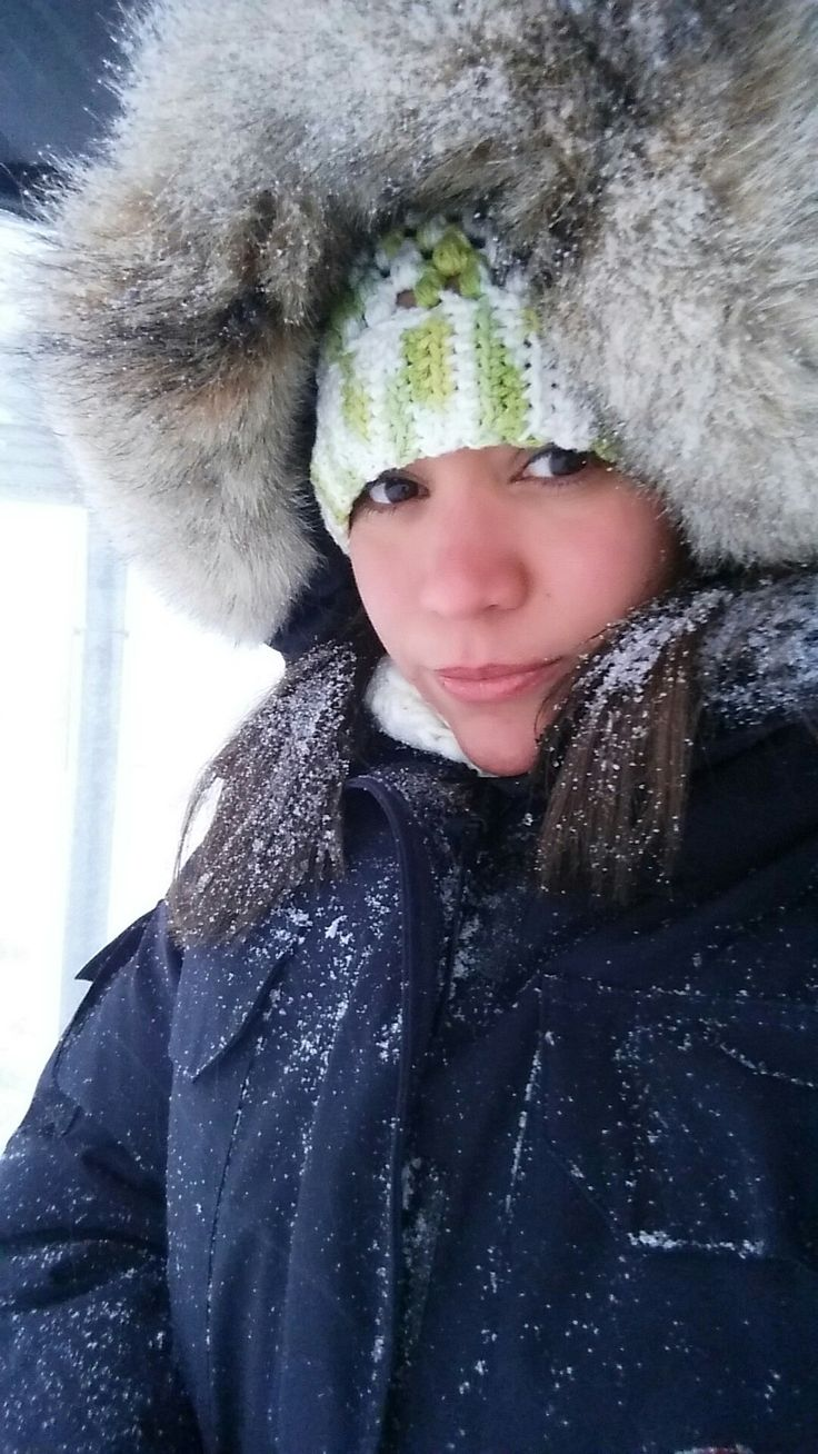 Para los días  fríos de invierno te presento este bello gorro a crochet