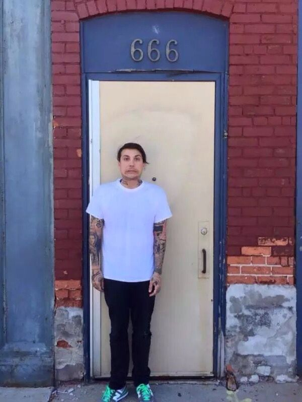 Frank - of course he just had to take a photo with a doorway numbered 666... <<< Look at thace face tho