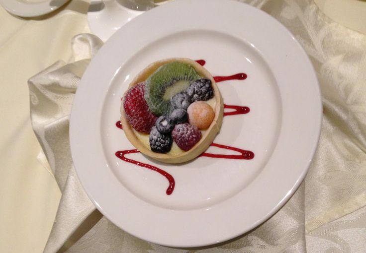Copetown Woods Wedding Tasting - Cheesecake + fresh fruit - Dana's favourite
