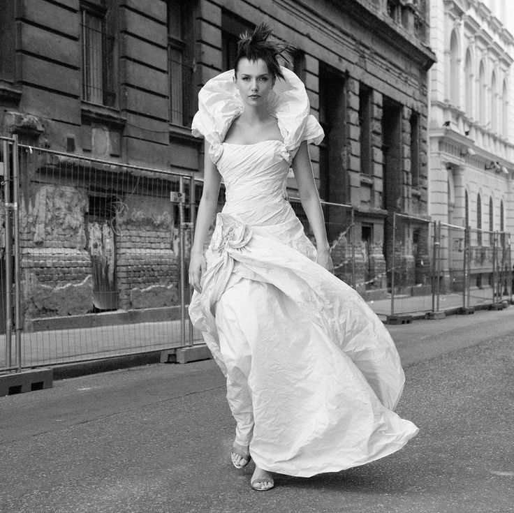 Discover the world of Makány Márta. Discover The Way We Love.  #MakanyMarta #wedding #bride #sposa
