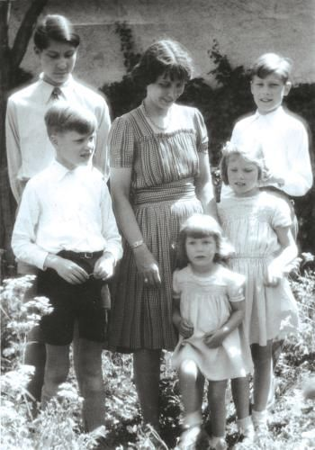 schenk von stauffenberg | Nina Schenk Gräfin von Stauffenberg
