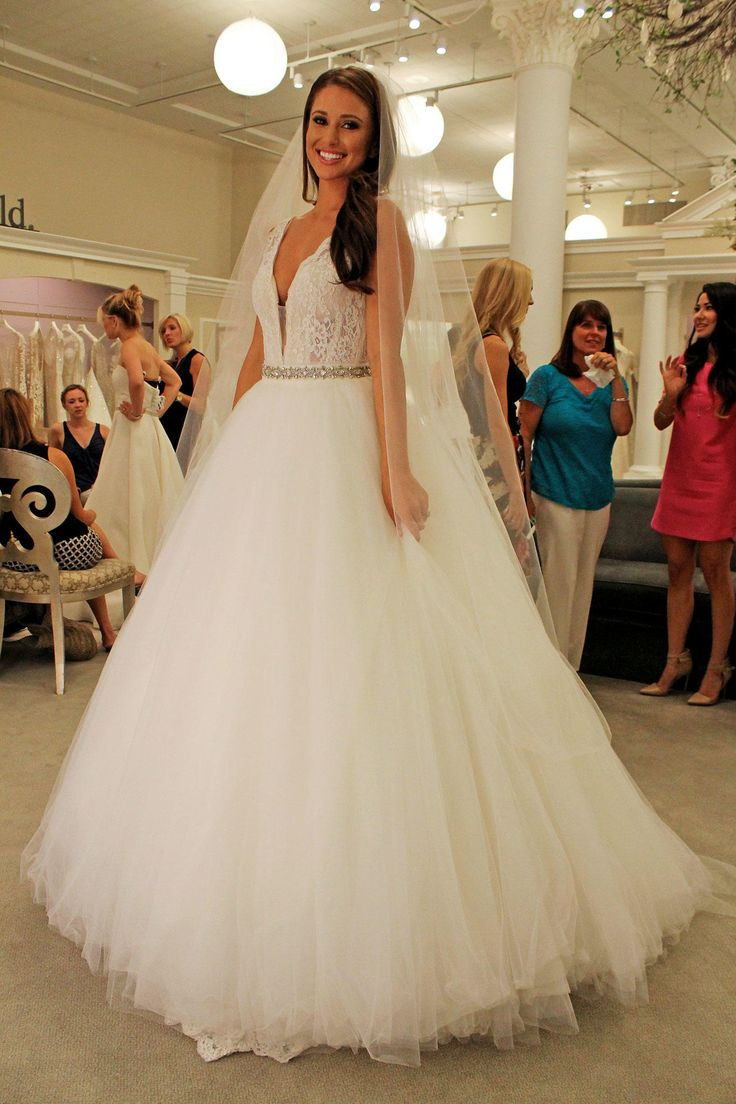 Season 14 Featured Dress: Pnina Tornai. Stle #4391. Very form fitted. Lace, straps with very low v-neck. With the detachable skirt. $8,900
