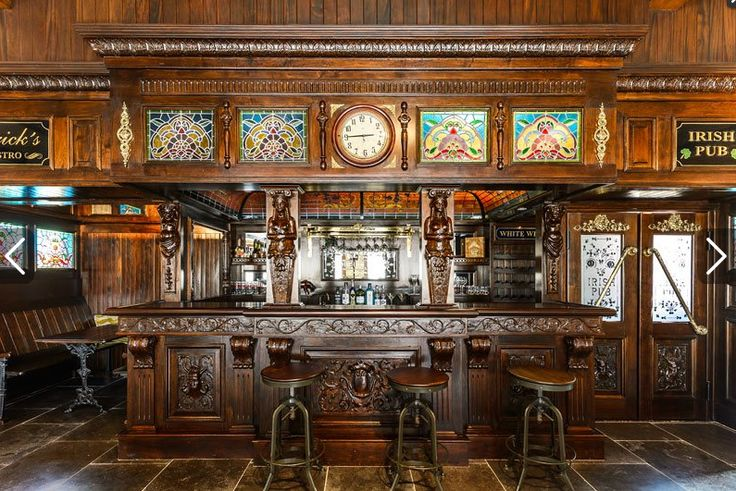 The Old Irish Pub