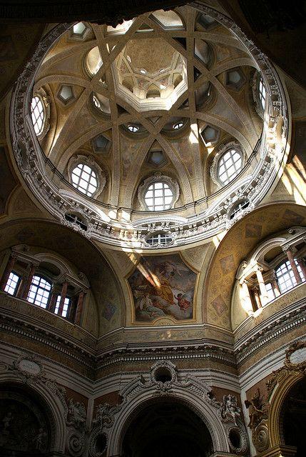 Guarino Guarini. 1680. San Lorenzo, Turín. Cúpula.