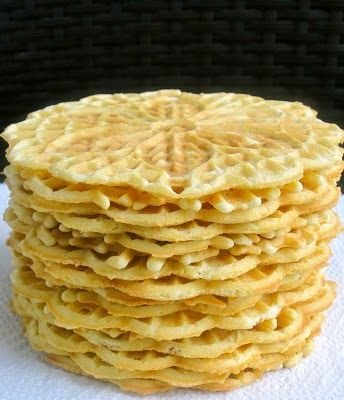 The Cultural Dish: A Taste of Tradition: Italian Pizzelle Cookies #fallfest #italiancookies #holidaycookies