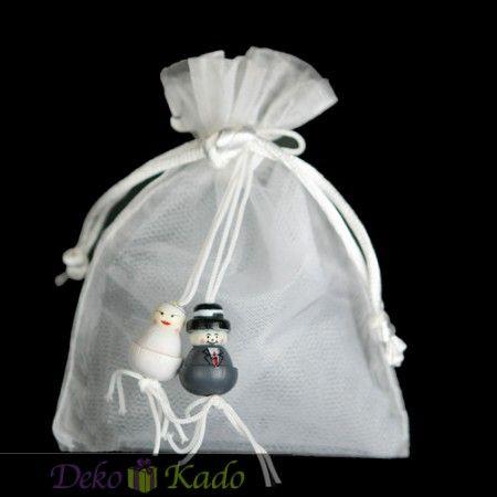 Organza zakjes met bruidspaar! http://www.dekokado.nl/bedankje-organza-zakje-bruidspaar.html#