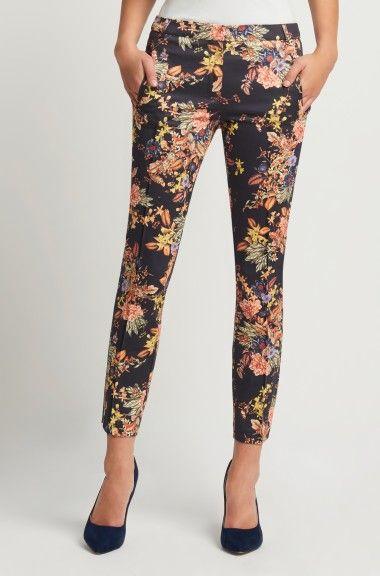 Cigaretové nohavice s kvetinovým vzorom