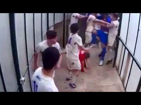 Briga entre jogadores termina com dois internados e 13 suspensos. Veja o vídeo - Futebol - iG