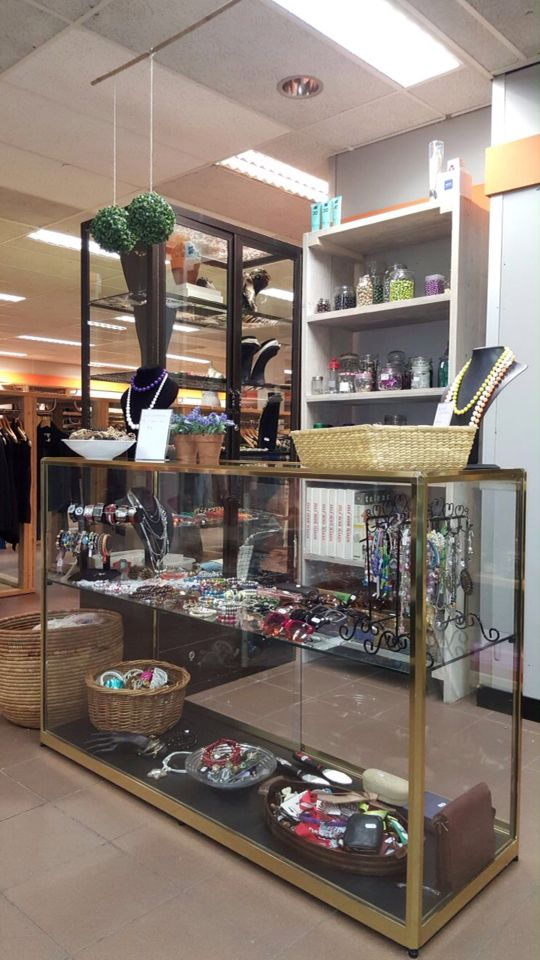 Shop in shop 'jewelry counter'