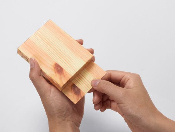 This memo pad from Appree resembles a block of wood, the same block of wood that was probably used to make them