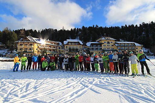 1.000 SkilehrerInnen in 20 Jahren im Seehotel Jägerwirt ausgebildet | Fotograf: Seehotel Jägerwirt | Credit:Seehotel Jägerwirt | Mehr Informationen und Bilddownload in voller Auflösung: http://www.ots.at/presseaussendung/OBS_20130211_OBS0008
