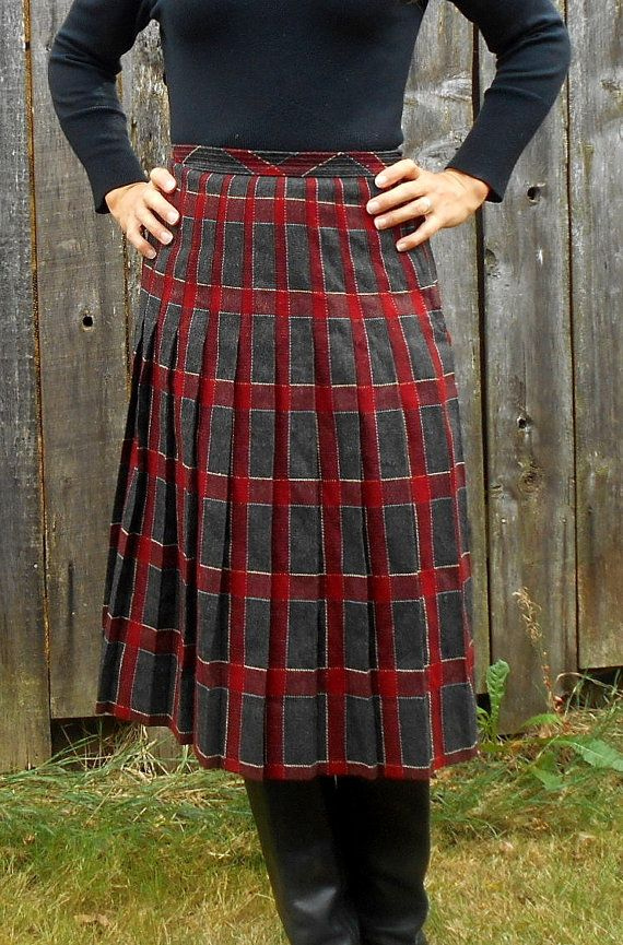 Vintage wool skirt // 1950s pleated skirt by LoonyballoonVintage