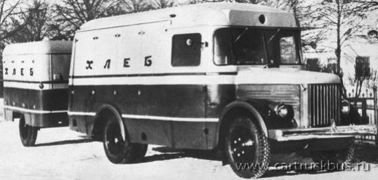 Первая самостоятельная разработка павловчан – автопоезд-хлебовоз из тягача ПАЗ-657 и одноосного прицепа ПАЗ-658. В период с 1954 по 1958 годы было сделано 3649 хлебных «коробочек».