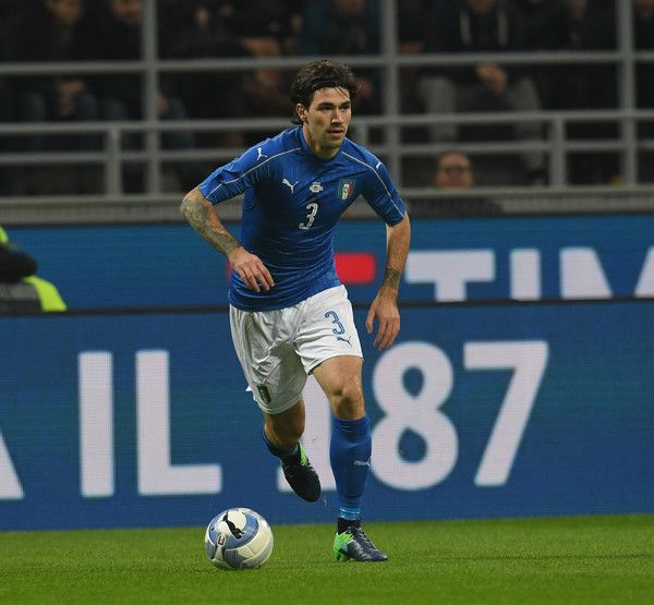 Alessio Romagnoli of Italy in action during the International Friendly Match between Italy and Germany at Giuseppe Meazza Stadium on November 15, 2016 in Milan, .