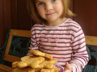 These biscuits are super simple and your little one can help you roll the dough and cut out biscuit shapes. Special thanks to Huggies mum Dawn for this fab recipe!
