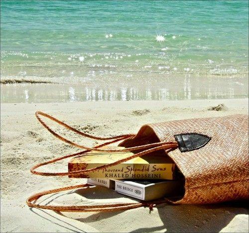 reading on the beach <3