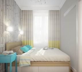 Спальня с голубой тумбочкой