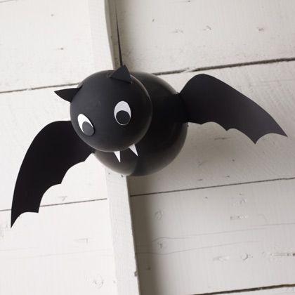 Morcegos: outra ideia linda e fácil para fazer com balões!