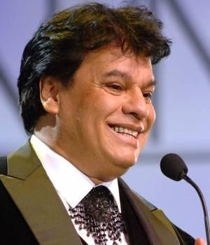 JUAN  GABRIEL (Alberto Aguilera). Cantante y compositor Mexicano.