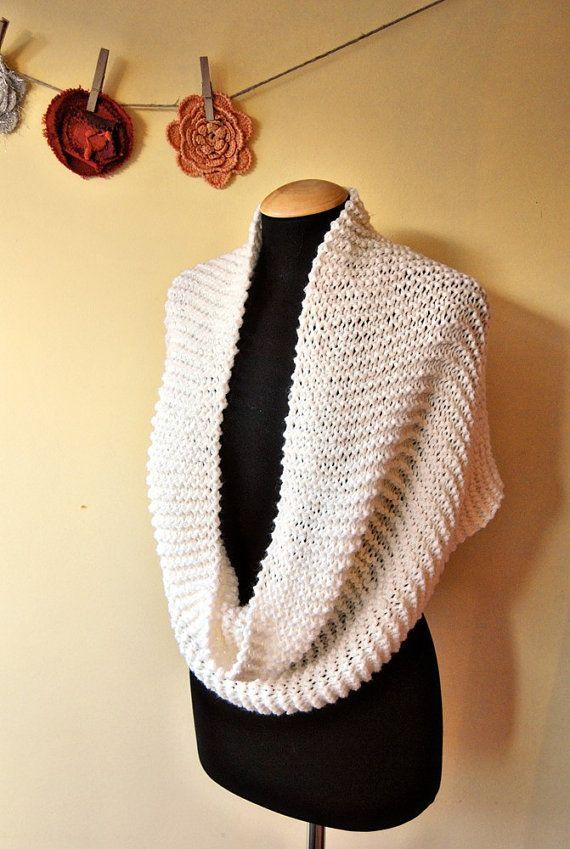 SALDI AUTUNNALI sciarpa infinity in lana bianca di lazydesigner