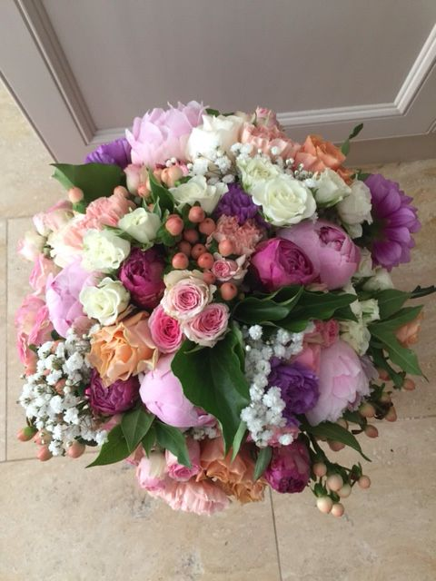 Bride's bouquet with peony roses, roses, spray roses, carnations, chrysanthemums, hypericum berries and babies breath by Y Style