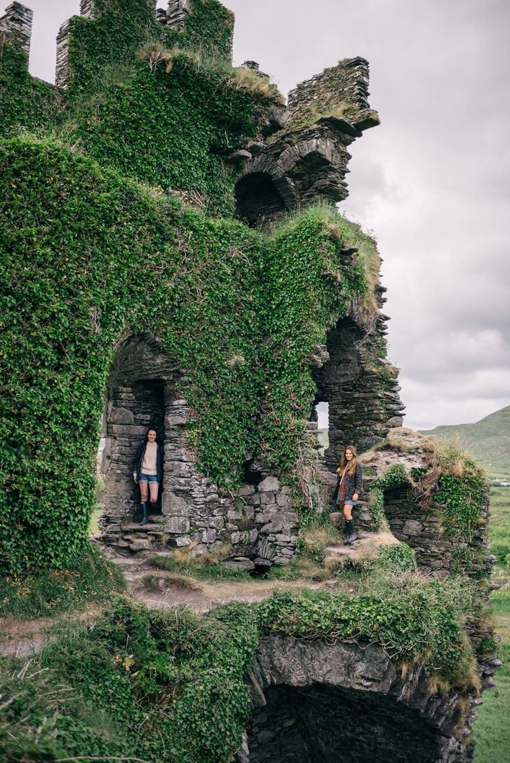 The Ring of Kerry - Visiting castle ruins