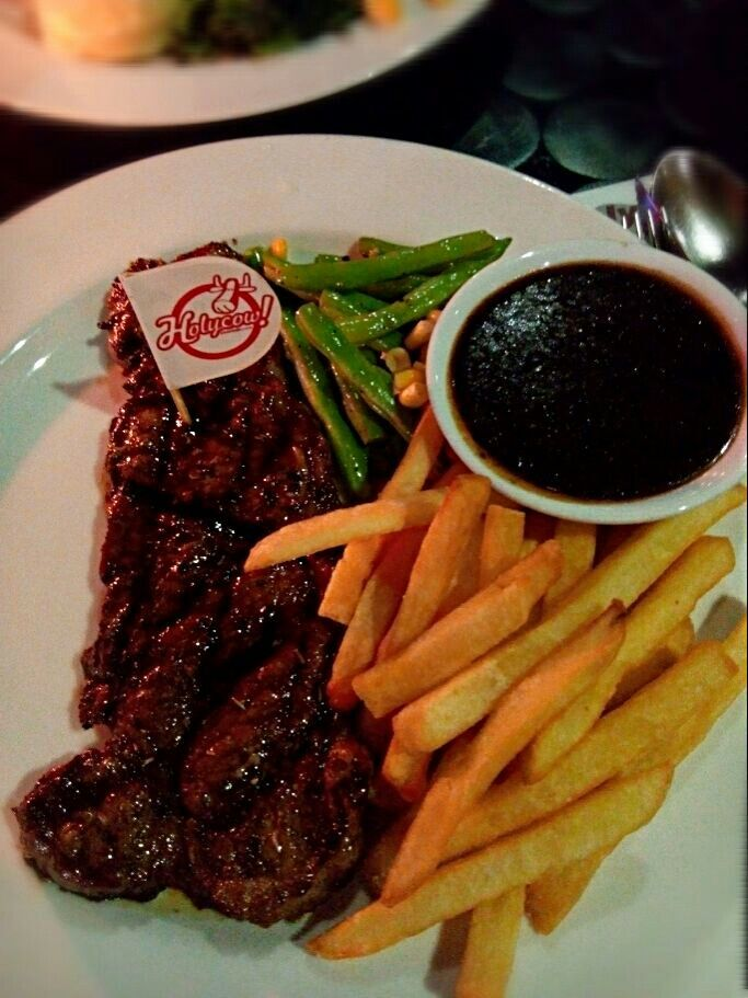 Holycow! Steakhouse di Yogyakarta, DI Yogyakarta