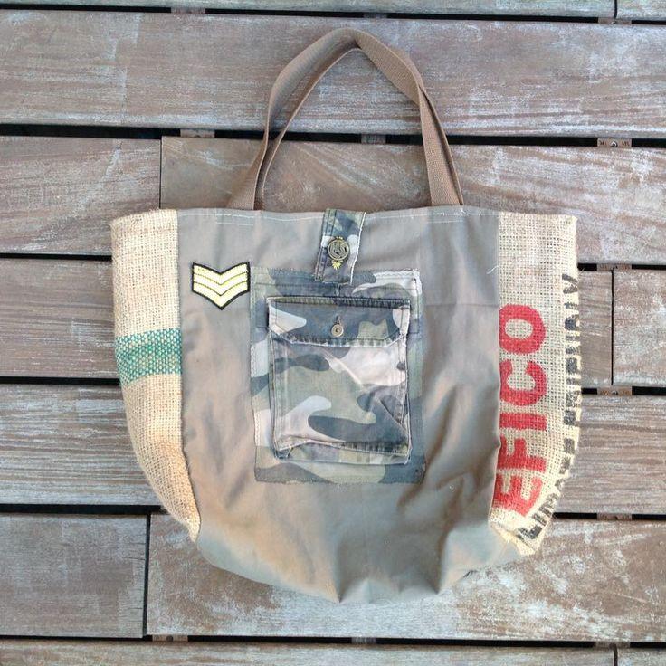 Sac cabas en toile de jute et poches camouflage : Sacs à main par les-damotes