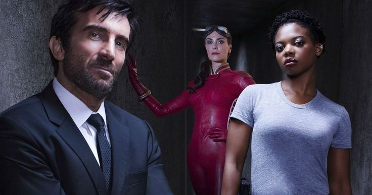 'Powers' Season 2 Trailer Unleashes a Superhero War -- Executive producer Brian Michael Bendis reveals some of the new characters fans will be seeing when Season 2 of 'Powers' returns -- http://movieweb.com/powers-season-2-trailer/