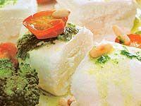 Receitas - Queijo de cabra assado com tomate-cereja e brócolis - Petiscos.com