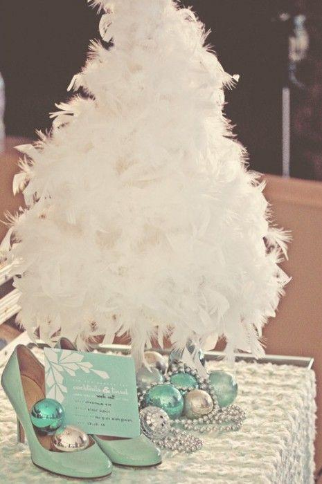 VÁNOCE NA SVATBĚ   Svatební blog - Pět věcí  Winter wedding decoration, wedding shoes and invitation / zimní svatební dekorace, zimní svatební oznámení