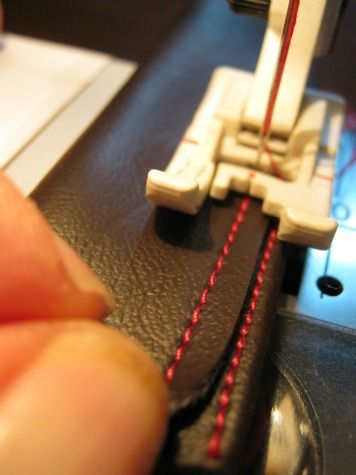 How to sew leather straps for handbags and purses: Guest Post by Paradiso Designs - Andrea's Notebook