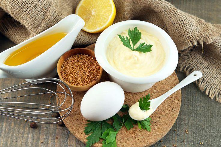 Cette délicieuse mayonnaise maison est tellement facile à faire qu'elle sera prête en moins d'une minute.