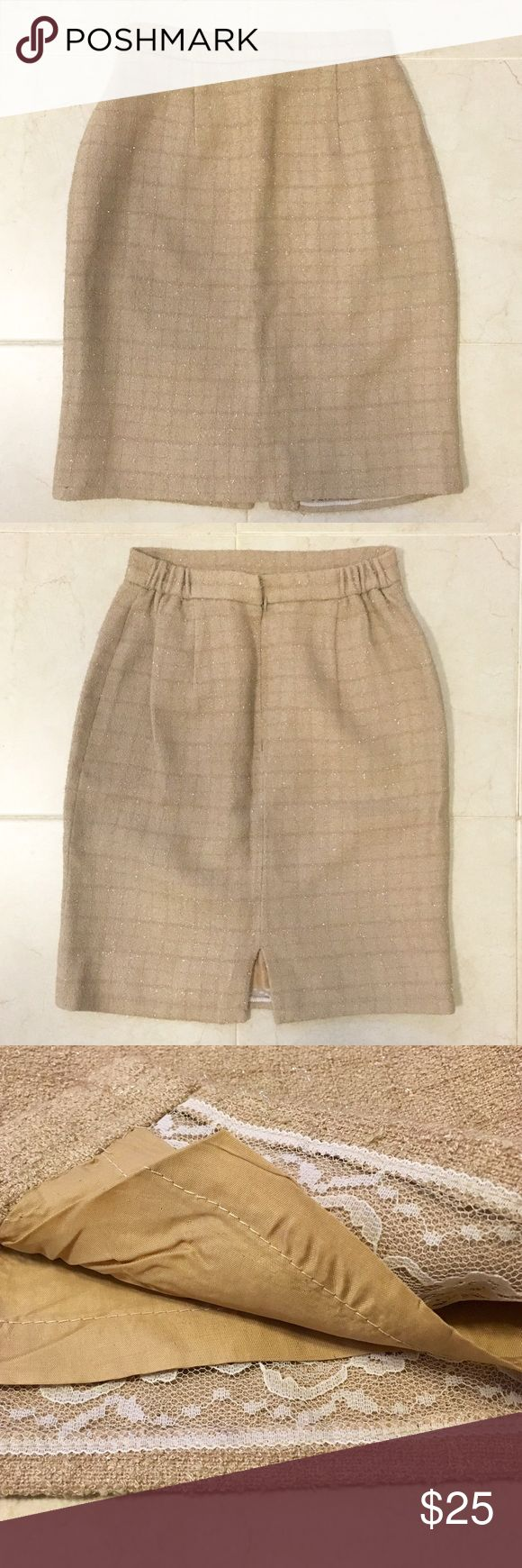 """Victor Costa Metallic Gold Beige Pencil Skirt 4 Victor Costa Metallic Gold Beige Pencil Skirt size 4. 24"""" waist unstretched. Goes up to 28"""" waist. 21"""" length. High waisted. Zip up back closure. Fully lined. Beautiful and sparkly! Perfect for the holidays! Excellent condition! No stains or holes. Victor Costa Skirts Pencil"""