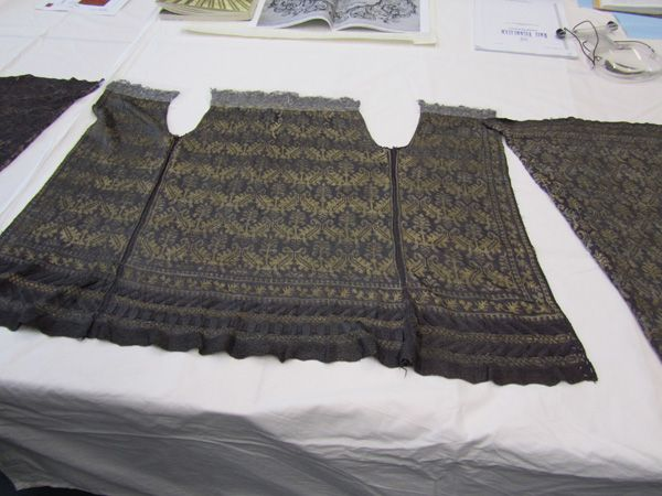 Dismantled knitted silk jacket, Italian, 17th century (V & A accession nb: 346-1898).