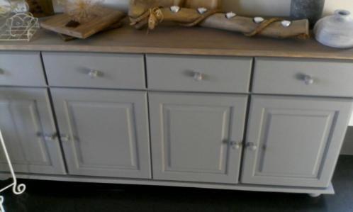 25 beste idee n over grijs dressoir op pinterest grijs geschilderde dressoirs grijs - Oude meubilair dressoir ...