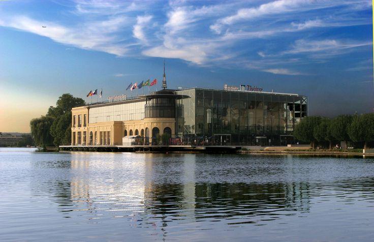 Le lac d'Enghien-les-Bains et le 1er Casino de France