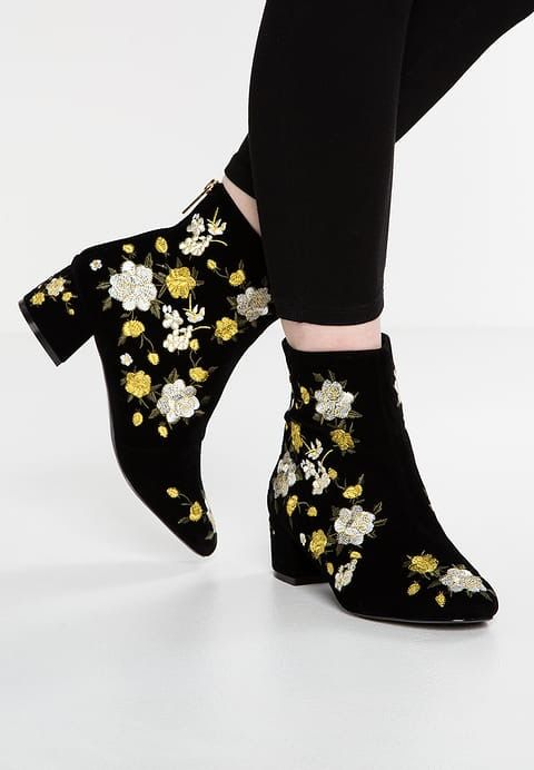 4d260436 Pin by carmen on shoes | Heeled mules, Shoes, Topshop