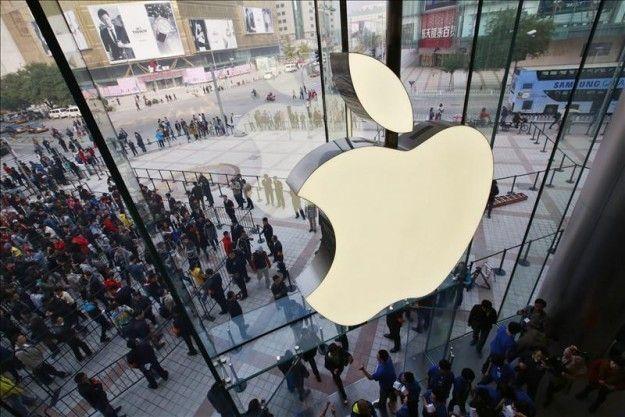 El director financiero de Apple, Peter Oppenheimer, anuncia su retirada