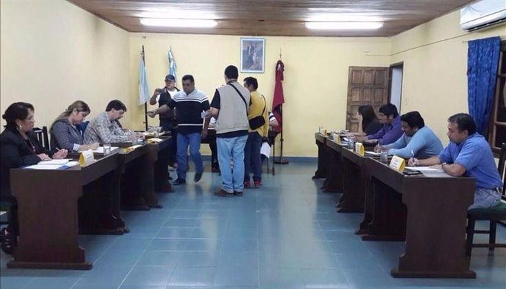 Los concejales siguen el proceso de juicio político al intendente: El cuerpo legislativo continúa solicitando documentación que respalde…
