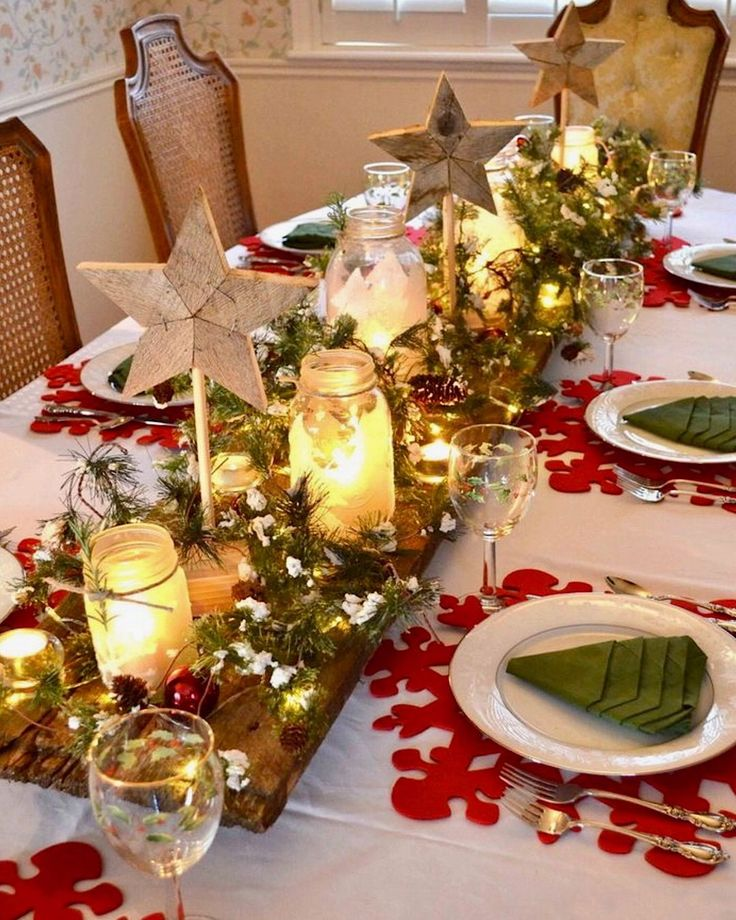 1128 best christmas table decorations images on pinterest for Table decorations for dining table