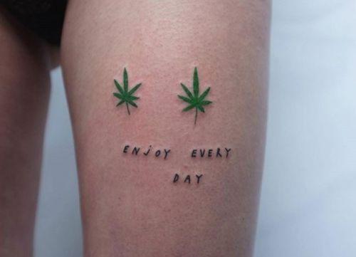 50 besten tattoos bilder auf pinterest scribble tapeten for Tattoos with hidden words