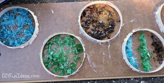 como fazer coasters concretas de vidro moído