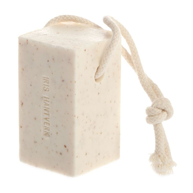 Smooth and soothing, with a warm and comforting aroma of toasted nuts, Iris Hantverk Soap on a Rope, Almond Oil uses natural ingredients to cleanse and leave skin soft and fragrant, with a sprinkling