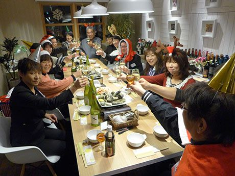 姫路でオリジナル「わいん鍋」お披露目会-ワイン専門店の提案で(写真ニュース)