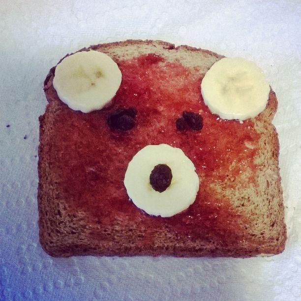 Teddy Toast ! Toast, Bananas, and raisins.