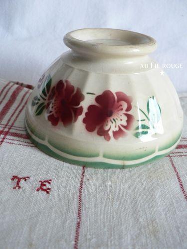Bol 44 fleur rouge et verte 10,5 cm