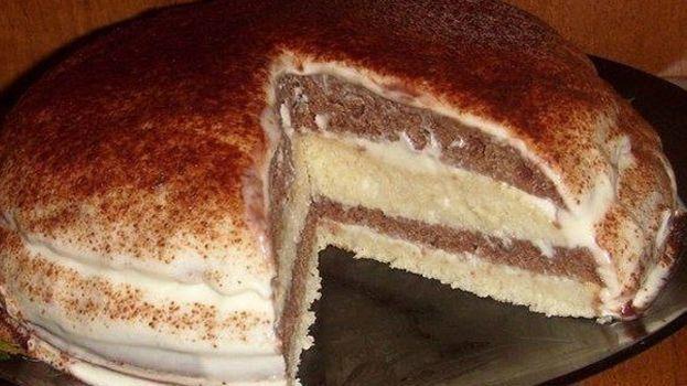 Lahodný kefírový dort budete zbožňovat nejen díky jeho téměř bezpracné přípravě. Jeho úžasná chuť si omotá Vaše chuťové buňky kolem prstu. Krém je osvěžující a nebudí přeslazený dojem. I ke kávě se kousek kefírového dortu báječně hodí. Je jednoduše božský. Ingredience – 3 vejce – 1 kelímek jogurtu – 1 kelímek cukru – 0,5 lžičky