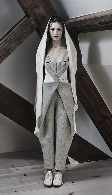 Contemporary Fashion - two tone tailoring with structured silhouette; innovative pattern cutting // InAisce Fall 2015